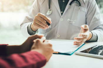 The best practice options for internists start with routine screening If major depressive disorder is diagnosed cognitive behavioral therapy or second-generation antidepressants are equally effectiv